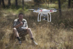Dron profesional en la acción Fotos de archivo libres de regalías