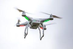 Dron que vuela libremente Imágenes de archivo libres de regalías