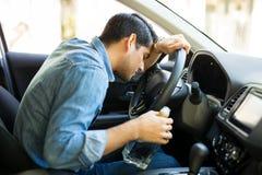 Dronken bestuurdersslaap in auto royalty-vrije stock afbeelding