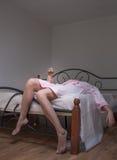 Dronken vrouw met alcohol royalty-vrije stock foto's