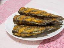 Droog Fried Snake Skin Gourami Fish, de vraag van Thailand Stock Foto