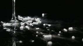 Droog ijs die, sublimatie van droog ijs roken stock video