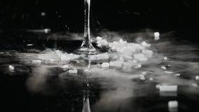 Droog ijs die, sublimatie van droog ijs roken stock videobeelden