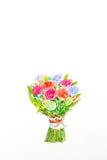 Droog nam met dalende bloemblaadjes op wit toe Stock Afbeelding