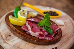 Droog varkensvleesvlees met papper en koel Stock Afbeeldingen