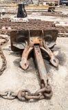 Droogdok - bootkettingen en anker Stock Foto's