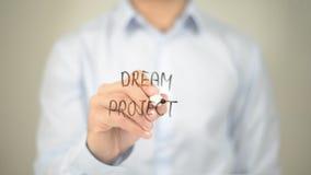 Droomproject, Mens die op het transparante scherm schrijft Stock Foto's