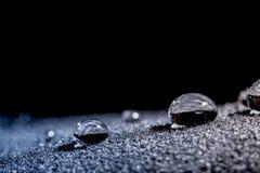 Droppar av vattennärbildmakroen Arkivfoton