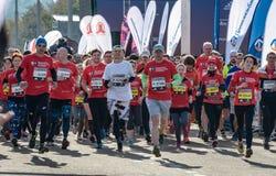 2016 09 25: droppMoskvamaraton Starta på 10 km Royaltyfri Bild