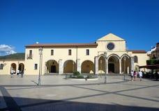 droppNovembre fyrkant nära kloster av St Francis Arkivbilder
