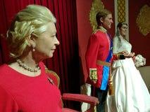 Drottning Elizabeth och brittisk kungafamiljenvaxstaty Royaltyfri Bild