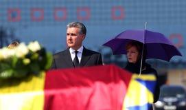 Drottningen Anne av Rumänien dör på 92 - ceremoni på Otopeni den internationella flygplatsen Royaltyfri Bild