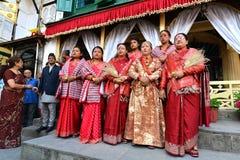Drottningen och de kungliga damerna av Nepal arkivbild