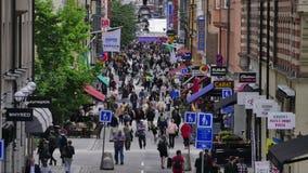 Drottninggatan a Stoccolma Svezia video d archivio