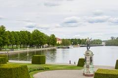 Drottninghlom-Palastansicht in die Stadt von Stockholm stockfotos