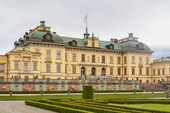 Drottninghlom-Palastansicht in die Stadt von Stockholm lizenzfreie stockbilder