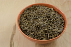 Dry loose Chinee tea leaves and infusers Royalty Free Stock Photography