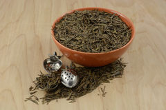 Dry loose Chinee tea leaves and infusers Stock Photography