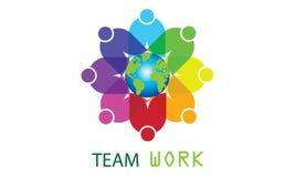 Drużynowy praca logo Dookoła Świata - Zaokrągleni kuli ziemskiej I drużyny pracy loga szablonu biznesu Kółkowej drużyny Zlanego l ilustracji