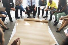 Drużynowy pracy zespołowej spotkanie Zaczyna up pojęcie obraz royalty free