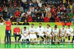 Drużynowy Serbia w akci podczas grupy A koszykówki dopasowania Rio 2016 olimpiad przeciw drużynowemu Francja Fotografia Stock