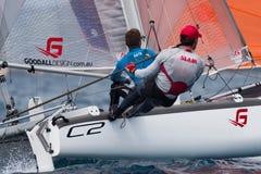 Drużyny współzawodniczy na formuły 18 obywatela catamaran rasie Fotografia Royalty Free