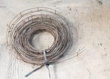 Druciana matowa rolka na betonowej podłoga Obrazy Royalty Free