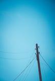 Druciana poczta na niebieskiego nieba tle Fotografia Stock