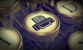Druck-Schreibmaschinen-Schlüssel. Schmutz-Hintergrund. Stockfotografie