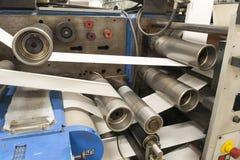 Druck von Aufklebern auf Etikettendruckmaschine Stockbild