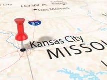 Druckbolzen auf Kansas- Citykarte Stockbilder