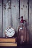 Druckdosen-, Wecker- und Weinlesebücher Stockbild