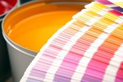 Druckenpressetinten, cyan-blau, magentarot, Gelb Stockbilder