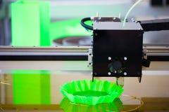 Drucker 3D in der Aktion Stockfotografie