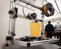 Drucker 3d an der Roboter-und Hersteller-Show Lizenzfreie Stockbilder