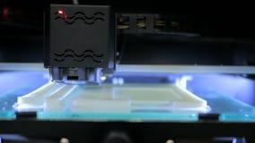 Drucker 3D während der Arbeit Stockfotos