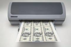 Drucker mit 1000000 Dollarscheinen stockbild