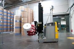 Druckerei: Automatisiertes Lager (für Papier) Stockfotografie