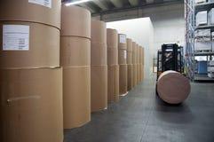 Druckerei: Papierlager Stockfoto