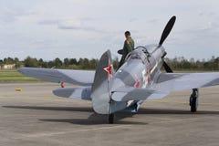 Druga Wojna Światowa Radziecki wojownik Yakovlev Yak-3 na pasie startowym przy CIAF - Czeski zawody międzynarodowi powietrza fest Obraz Stock