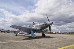 Druga Wojna Światowa Radziecki wojownik Yakovlev Yak-3 na pasie startowym przy CIAF - Czeski zawody międzynarodowi powietrza fest Fotografia Royalty Free