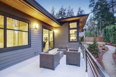 Drugie piętro pokład nowa budowa dom blisko Bellevue śródmieścia Zdjęcia Royalty Free