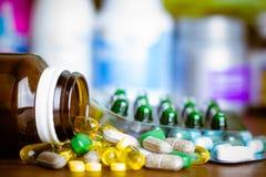 Drugvoorschrift voor behandelingsmedicijn Farmaceutisch geneesmiddel, behandeling in container voor gezondheid Apotheekthema Royalty-vrije Stock Foto