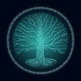 Druidic Yggdrasil树,圆的黑暗的哥特式商标 古老书样式 免版税库存照片