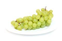 Druiven die op wit worden geïsoleerdn Royalty-vrije Stock Foto's