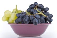 Druiven in een kom Royalty-vrije Stock Foto's