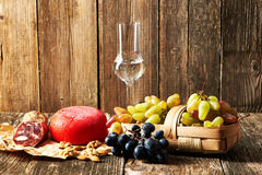 Druiven, grappa en kaas Stock Afbeelding
