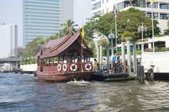 Druk boot Bangkok uit Stock Fotografie