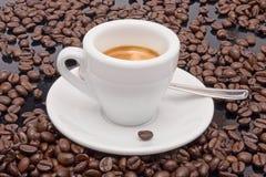 Druk koffie uit Royalty-vrije Stock Foto's
