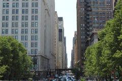 Drukke straten stock afbeeldingen